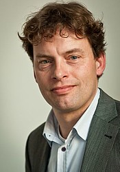 Prof.dr. Rob Zuidwijk, Professor of Supply Chain Management.